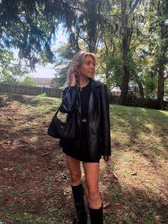 Leather Jacket Outfits, Blazer Outfits, Black Leather Blazer, Unique Outfits, Cute Casual Outfits, Look Fashion, Autumn Fashion, Looks Pinterest, Mode Outfits