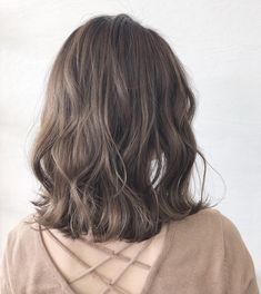Pretty Pale Blonde - 60 Layered Bob Styles: Modern Haircuts with Layers for Any Occasion - The Trending Hairstyle Bobs For Thin Hair, Short Wavy Hair, Long Curly, Bob Hairstyles For Fine Hair, Hairstyles Haircuts, Boy Haircuts, Hairstyle Men, Formal Hairstyles, Medium Hair Styles