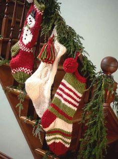 Knit Stockings, Knitted Christmas Stockings, Christmas Knitting, Knitted Christmas Stocking Patterns, Handmade Christmas Decorations, Christmas Crafts, Christmas Ideas, Christmas Centerpieces, Christmas Wrapping