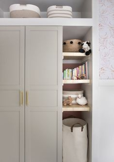 makeover Mid Century Nursery Makeover - Room for Tuesday Bedroom Built In Wardrobe, Ikea Pax Wardrobe, Diy Wardrobe, Wardrobe Design, Closet Bedroom, Wardrobe Ideas, Build In Wardrobe, Girls Wardrobe, Wardrobes For Bedrooms