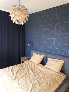 / / vesta mti furninova / h&m home / ferm living wallpaper Blue Wallpaper Bedroom, Ferm Living Wallpaper, Blue Bedroom, Home Interior, Interior Design Living Room, Living Room Decor, Bedroom Decor, Feature Wall Bedroom, Big Bedrooms