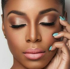 Hochzeit Make-up Afroamerikaner besten Fotos - Hochzeit Make-up - Cuteweddingideas . Dark Skin Makeup, Makeup For Brown Eyes, Eye Makeup, Hair Makeup, Black Natural Makeup, Natural Bridal Makeup, Makeup Black Women, Dark Skin Eyeshadow, Bridesmaid Makeup Natural