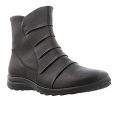 Vinter støvle i sort oil skind med drapinger over vristen samt sort gummisål med 2 cm kile. Skaftelængde 15 cm. Vidde G.