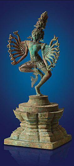 Tanzender Hevajra, Kambodscha, Khmer, Baphuon-Stil 11. Jahrhundert n. Chr., Bronze, Höhe 44 cm, Privatsammlung © Photo: Weltkulturerbe Völklinger Hütte | Hans-Georg Merkel
