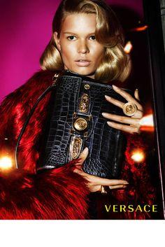 versace-women-fall-winter-2014-campaign-photo-002