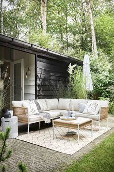 Outdoor Spaces, Outdoor Living, Outdoor Furniture, Outdoor Decor, Old Houses, Curb Appeal, The Great Outdoors, Modern Architecture, New Homes