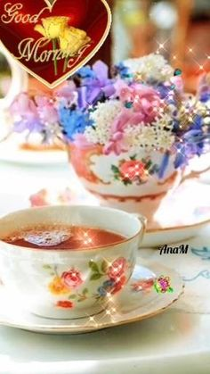 Good Morning Gift, Good Morning Coffee Gif, Good Morning Roses, Good Morning Image Quotes, Morning Morning, Good Morning Animation, Happy Birthday Candles, Happy Friendship Day, Chocolate Coffee