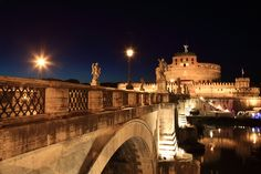 to be able to go for a walk at night, enjoying some gelato and taking in the majestic scene...  #monogramsvacation