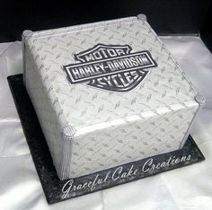 Harley Davidson Themed Grooms Cake by Graceful Cake Creations Torta Harley Davidson, Wedding Budget Planner, Minnie Mouse, Cake Decorating Tips, Cute Cakes, Cake Creations, Art Design, Celebration Cakes, Cake Art