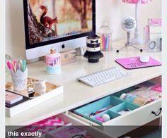 Escrivaninha #Escrivaninha #HomeOffice #MJ http://mundodemj.blogspot.com.br/2015/12/escrivaninhas-e-home-office.html