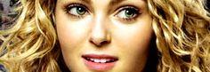 In occasione dell'evento autunnale di The CW, ossia l'ultima puntata di Gossip Girl, il network preferito dalle teenager ha diffuso il nuovo promo della sua serie più attesa nel 2013, Carrie Diaries, prequel di Sex & the City con AnnaSophia Robb nel ruolo dell'adolescente Carrie Bradshaw. Un promo al sapore di rock 'n' roll, con la canzone Goody Two Shoes di Adam Ant (classico del 1982) a fare da contrappunto alle immagini inedite. In attesa della première il 14 gennaio, ecco il video.