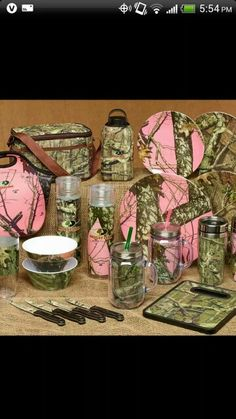 Thinking of making these my new dishes? Camo Guns, Mossy Oak Camo, Hunting Cabin, Country Girl Style, Camo Baby Stuff, Pink Camo, Purple, Kitchen Aid Mixer, Kitchen Appliances