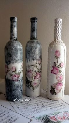 Don't toss those old wine bottles; instead use them in a variety of Cool Wine Bottles Craft Ideas. Create lamps, decorative items, and cute ornaments to simply lighten up your home. Old Wine Bottles, Recycled Wine Bottles, Wine Bottle Art, Painted Wine Bottles, Diy Bottle, Vintage Bottles, Antique Bottles, Vintage Perfume, Antique Glass