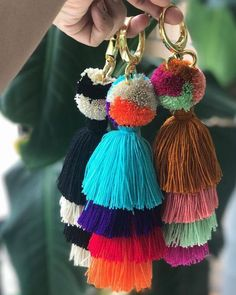 Not such thing as loosing your keys with these Beauties 🌈 Mandarina Keychains Pom Pom Crafts, Yarn Crafts, Diy And Crafts, Tassel Keychain, Diy Keychain, Diy Jewelry Inspiration, Passementerie, Boho Diy, Christmas Diy