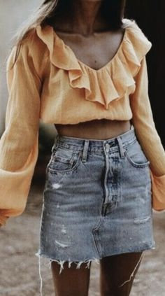 yellow ruffle long sleeve crop top + levis denim skirt | cute back to school outfits for teens | cute outfits for the fall #ootd #outfits