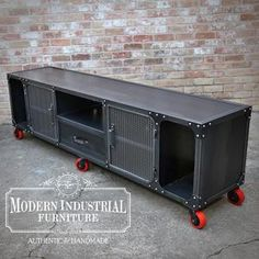 Modern Industrial Furniture, Metal Furniture, Industrial Style, Industrial Lamps, Furniture Vintage, Furniture Design, Home Theater Speakers, Home Theater Rooms, Deco Cool