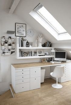 43 Tiny Office Space Ideas to Save Space and Work Efficiently - Best Bedroom deas Attic Bedroom Designs, Attic Bedrooms, Attic Design, Attic Living Rooms, Loft Room, Bedroom Loft, Bedroom Decor, Bedroom Ideas, Small Attic Room