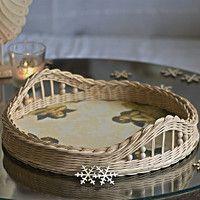 Proutěné pedig / Domov   Fler.cz Newspaper Basket, Newspaper Crafts, Easter Egg Basket, Easter Eggs, Baskets On Wall, Wicker Baskets, Diy And Crafts, Crafts For Kids, Paper Furniture