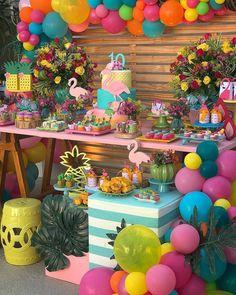 A Pineapple Flamingo Party Full Of Fun - daisy Pool Party Themes, Adult Party Themes, Pool Party Decorations, Aloha Party, Luau Party, Flamingo Party, Flamingo Birthday, 13th Birthday Parties, Birthday Party Themes
