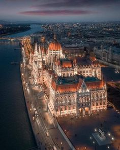 Budapest shortly after sunset [oc] - Architecture and Urban Living - Modern and Historical Buildings - City Planning - Travel Photography Destinations - Amazing Beautiful Places Places To Travel, Travel Destinations, Places To Visit, Beautiful Architecture, Beautiful Buildings, Architecture Design, Building Architecture, Budapest Travel, Budapest City