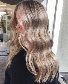 Bronde Hair, Balayage Hair Blonde, Blonde Hair With Highlights, Blonde Hair Dyes, Honey Balayage, Brown Balayage, Honey Blonde Hair, Blonde Hair Looks, Champagne Blonde Hair