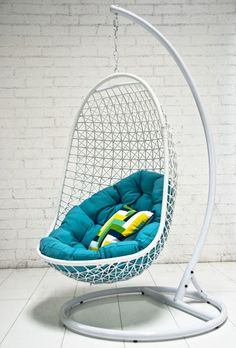 Hanging chair! Awesome... Want this! #product_design #furniture_design