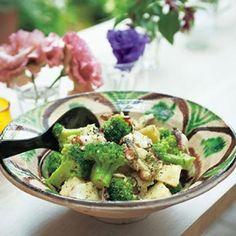 じゃがいもとタコ、ブロッコリーのサラダ