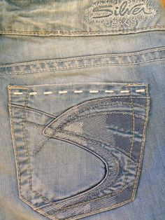 Buckle Silver TUESDAY Thick Stitch Light Wash Bootcut Jeans Womens Size 29 X 33 #SilverJeans #BootCut