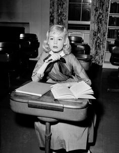 A young Sandra Dee at age 14.