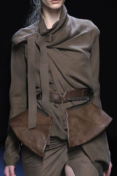 Haider Ackermann Fall 2010 - Details. women's fashion and style.