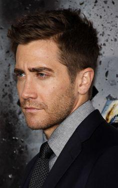 Jake Gyllenhaal= Joshua's boy next door hottie