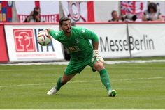 Palace legend Julian Speroni: I'm back and I want my place again