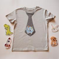T-Shirt mit Kravatte | Innovative Kinder Bekleidung mit abnehmbaren Motiven - geniale und zauberhafte Mode für kreative Kids