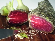 Сало, брезаола, карне-салада, вяленая грудь гуся — бастурма, наконец