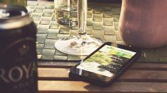 L'application n'est pas encore téléchargeable sur les store d'applications mobiles mais vous pouvez déjà en profiter en l'ajoutant facilement à votre écran