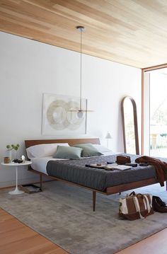 Order your Nelson Thin Edge Bed. Original design by George Nelson, this mid-century modern bed is manufactured by Herman Miller. Modern Bedroom, Contemporary Bedroom, Bedroom Interior, Bed Design, Bedroom Decor, Home Decor, Bedroom Ceiling Light, Mid Century Modern Bedroom, Modern Bedroom Furniture