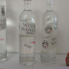 new definite design for wodka wanessa bottles! We label them using tape which makes each bottle unique! Vodka Bottle, Tape, Bottles, Drinks, Unique, How To Make, Design, Vodka, Drinking