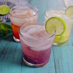 This summer, find time for yourself and whip out these mojito recipes. Invite a few friends over, enjoy their company and a nice homemade mojito cocktail. Party Drinks, Cocktail Drinks, Fun Drinks, Healthy Drinks, Healthy Recipes, Healthy Food, Sangria Party, Food And Drinks, Alcoholic Drinks