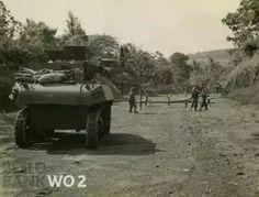 Opruimen van een wegblokkade tijdens de bevrijdingsacties van de Britse troepen. Semarang 1945