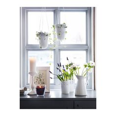 white planters hanging in the kitchen windows& like this. The post IKEA SKURAR Off-White Indoor/outdoor, Off-White Plant pot appeared first on Dekoration. Window Sill Decor, Kitchen Window Sill, Kitchen Windows, Window Plants, Window Ideas, Indoor Plant Pots, Potted Plants, Indoor Planters, Indoor Garden