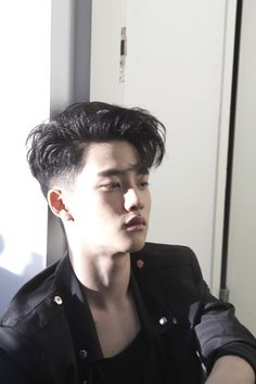 exo d.o kyungsoo Undercut Men, Undercut Hairstyles, Hairstyles Haircuts, Haircuts For Men, Trendy Hairstyles, Asian Male Hairstyles, Asian Undercut, Undercut Pompadour, Hair And Beard Styles