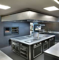 Small restaurant kitchen design  groovy modern stainless steel kitchen everything exposed   Caf   . Restaurant Kitchen Design Photos. Home Design Ideas