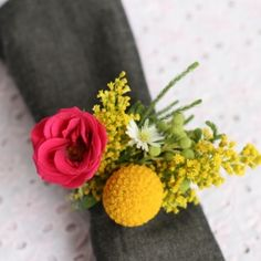 How to make a fresh flower napkin ring for dinner parties or weddings.
