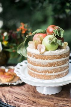 20 Of Our Favorite Naked Cakes - Rustic Charm. Bring the beauty of a classical still life to your dining room table by using apples and pears to create a rustic fall topper that will stand the test of time. Birthday Cake For Women Elegant, Birthday Cakes For Women, Ladybug Cakes, Owl Cakes, Fall Birthday Cakes, Fruit Birthday, Happy Birthday, Birthday Ideas, Nake Cake
