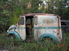 old milk & ice cream truck. Abandoned Cars, Abandoned Places, Abandoned Vehicles, Abandoned Buildings, Vintage Trucks, Old Trucks, Vintage Vans, Pickup Trucks, Vehicle Signage