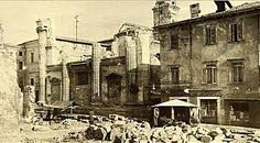 Verona centro, l'antica chiesa di S. Sebastiano, dopo i bombardamenti del 1945, salvo solo il campanile, ora sede Biblioteca civica. Verona, Palazzo, Street View, Painting, Italia, Fotografia, Art, War, Painting Art