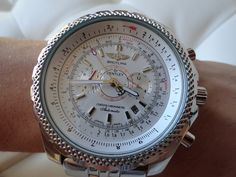 I don't think this is the first time I am telling you that Breitlings are one of my favorite watches. Bulky, strong and heavy on my wrist, I really love wearing them. There is a real pleasure to search for Breitling replicas online. Because it is a very popular watch brand and people buy o lot of Breitling replicas there is a huge variety of models out there.
