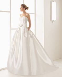 In The White Room sample sale 14.1.17 www,whiteroombridal.co.uk 0114 2722336