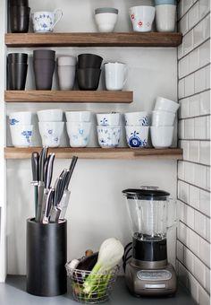 Smuk og synlig opbevaring i køkkenet