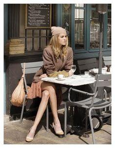 Autour d'un café ... très parisienne !